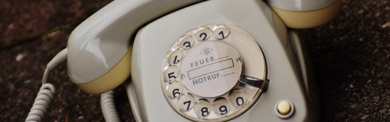 How to dial phone numbers in Germany